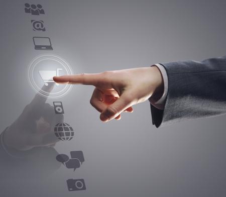 �cran tactile: interface � �cran tactile: magasinage sur Internet