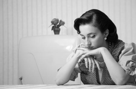 ama de casa: Retrato de un ama de casa deprimida en la cocina