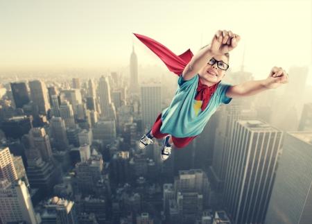 少しのスーパー ヒーローの世界を保存する準備ができて 写真素材