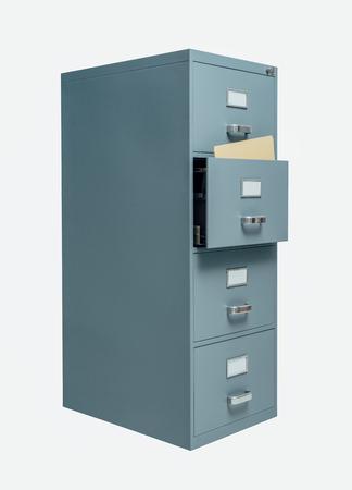 Armadio di deposito con cassetto aperto su priorità bassa bianca, immagazzinaggio di dati e concetto di amministrazione Archivio Fotografico