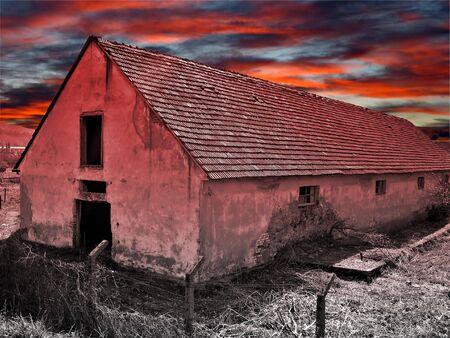 abandoned farmhouse abandoned farmhouse: Abandoned haunted farmhouse