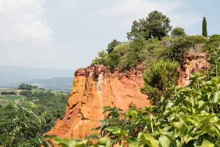 Okergroeve, Roussillon, Provence, Frankrijk Stockfoto - 87155534