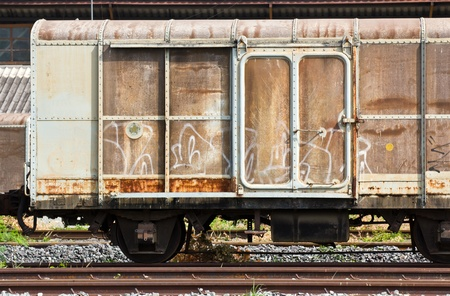 Railroad container doors with more rusty old Stockfoto