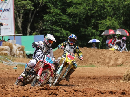 MUAKLEK, THAILAND - AUGUST 05  Unidentified riders participate in  competition Supercross Championship of Thailand, on August 05, 2012 in Muaklek, Saraburi,Thailand Stock Photo - 14784386