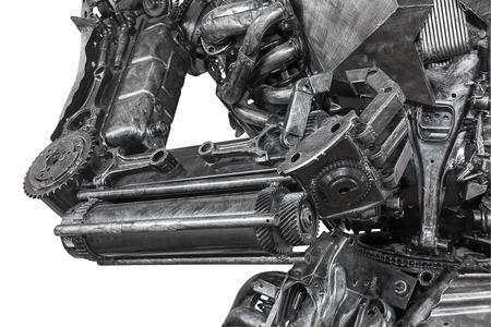 wojenne: Zbliżenie maszyna wojny rzeźby ze złomu na białym tle