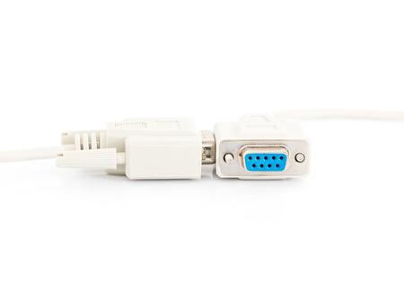 vga: Conector del cable de entrada VGA con cord�n blanco sobre fondo blanco