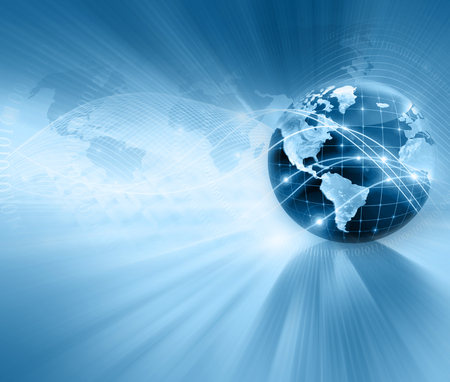 alrededor del mundo: El mejor concepto del Internet de asunto global. Globo, líneas brillantes en el fondo tecnológico. Electrónica, Wi-Fi, rayos, símbolos de Internet, televisión, comunicaciones móviles y por satélite. Ilustración Tecnología