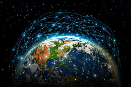 alrededor del mundo: El mejor concepto del Internet de asunto global de la serie de conceptos, conexión de líneas de comunicación símbolos.
