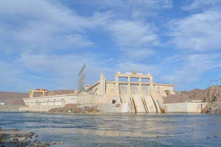 Davis Dam Hydroelectric Power Plant on the Arizona side of the Colorado River Banque d'images