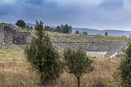 teatro antiguo: Griego antiguo teatro de Dodona Ioannina Epiro Grecia
