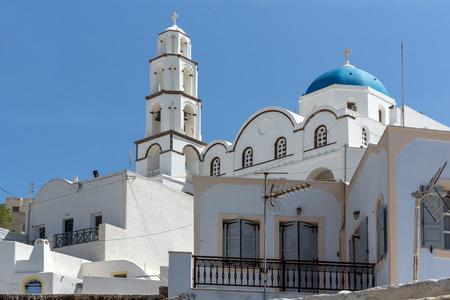 thira: White Church in Pyrgos Kallistis, Santorini island, Thira, Cyclades, Greece Stock Photo
