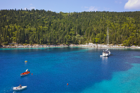 cefallonia: Blue waters of Foki Fiskardo Beach, Kefalonia, Ionian islands, Greece