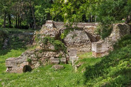 Vestiges des bâtiments dans l'ancienne ville romaine de Diokletianopolis, ville de Hisarya, région de Plovdiv, Bulgarie