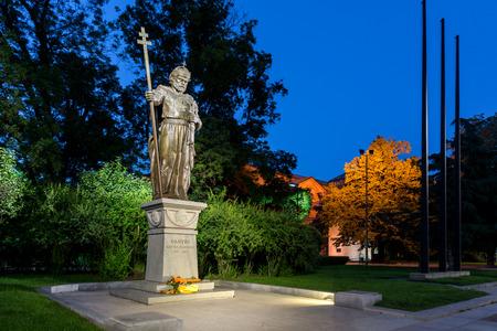 sofia: Night photo of Monument of bulgarian Tsar Samuel and St. Sofia church, Sofia, Bulgaria