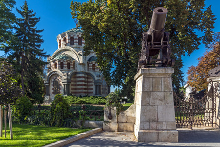 conqueror: Cannon from the Russo-Turkish War of 1877-1878 and St. George the Conqueror Chapel Mausoleum, City of Pleven, Bulgaria