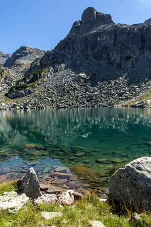 rocky peak: Rocky peak and Lake, Rila Mountain, Bulgaria