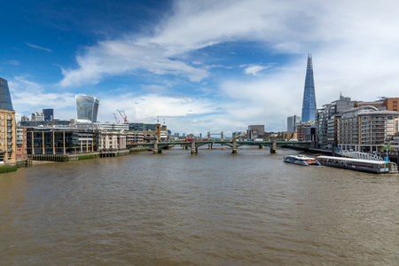 thames: Amazing Panorama of Thames river and City of London, Great Britain