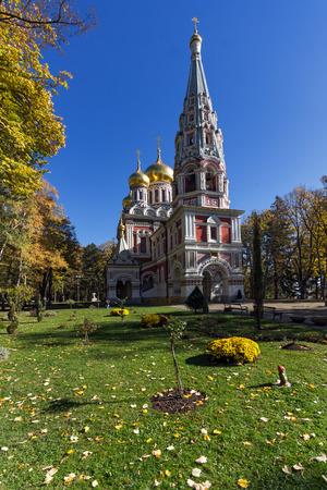 memorial cross: Iglesia rusa (Monasterio de la Natividad) en la ciudad de Shipka, Stara Zagora Región, Bulgaria