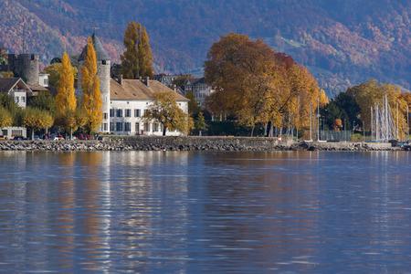 vevey: VEVEY, SWITZERLAND - 29 OCTOBER 2015 : Panorama of Vevey, canton of Vaud, Switzerland