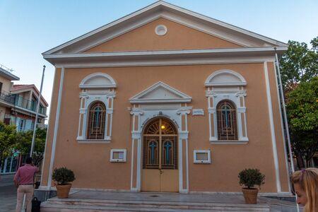 cefalonia: ARGOSTOLI, KEFALONIA, GREECE - MAY 25  2015:  Sunset view of church in the town of Argostoli, Kefalonia, Ionian islands, Greece