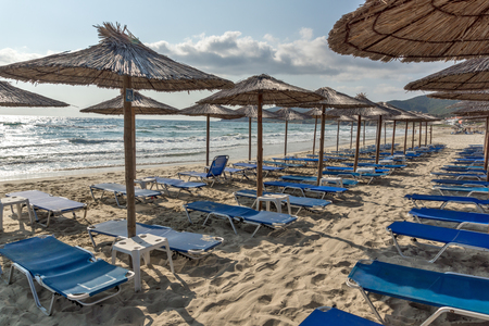 Zeegezicht van Sarti-Strand bij Sithonia-schiereiland, Chalkidiki, Centraal Macedonië, Griekenland Stockfoto