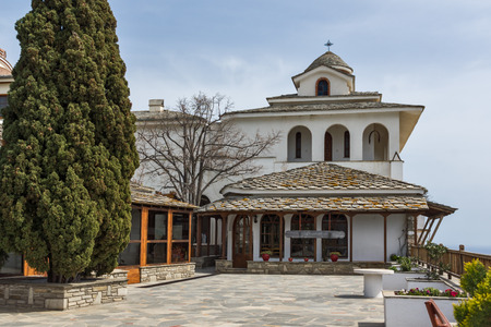Church and spring flowers in Archangel Michael Monastery in Thassos island, East Macedonia and Thrace, Greece Stockfoto