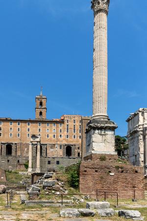 ROME, ITALY - JUNE 24, 2017: Column of Phocas at Roman Forum in city of Rome, Italy Reklamní fotografie - 122736501