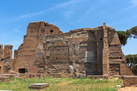 ROME, ITALY - JUNE 24, 2017: Panoramic view of ruins in Palatine Hill in city of Rome, Italy Banque d'images - 123130529