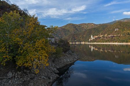 Amazing Autumn ladscape of The Vacha (Antonivanovtsi) Reservoir, Rhodope Mountains, Plovdiv Region, Bulgaria Stock Photo
