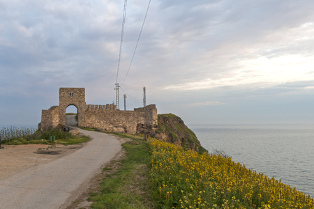 Sunset view of Ruins of fortress at Kaliakra Cape at Black Sea Coast,  Dobrich Region, Bulgaria 版權商用圖片