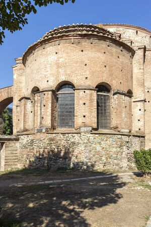 Ruins of Rotunda Roman Temple in the center of city of Thessaloniki, Central Macedonia, Greece Stok Fotoğraf