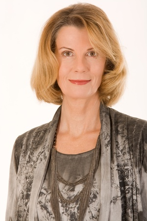 mature woman face: Portrait of a fashionably-dressed older woman
