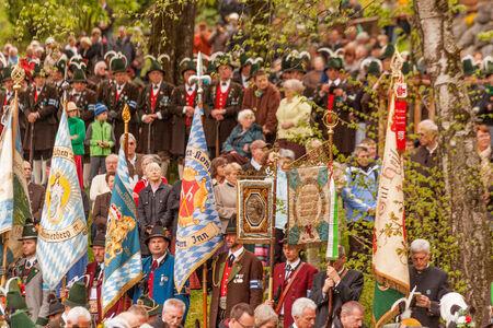 Vlaggen detacheringen in de mis op de verjaardag van Gebirgsschtzen op 04 05 2014