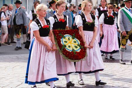 Rosenheim, Duitsland - 4 september 2016: folklore maatschappij Innviertler Rosenheim op Thanksgiving Parade in Rosenheim / Duitsland