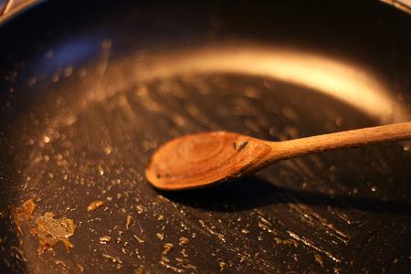 dirty kitchen pan Standard-Bild