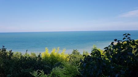 Beach paceful sunny day Standard-Bild - 105981459