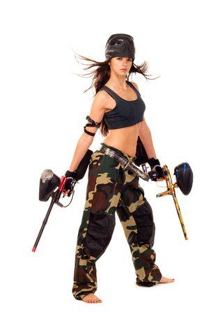 pistolas: Sexy girl j�venes posando como jugar paintball