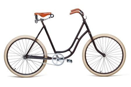 ビンテージ自転車白で隔離。クリッピング パスを含む