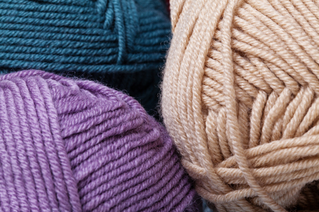 gomitoli di lana: Set di palline colorate filato di lana. Foto del primo piano. Archivio Fotografico