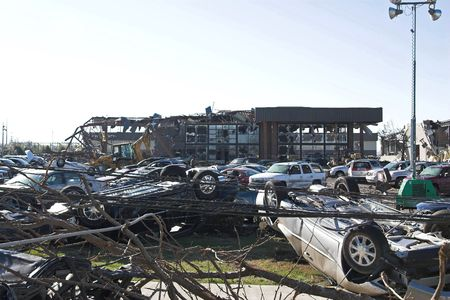 Tornados ripped through Tennessee destroying 1000 of homes & business
