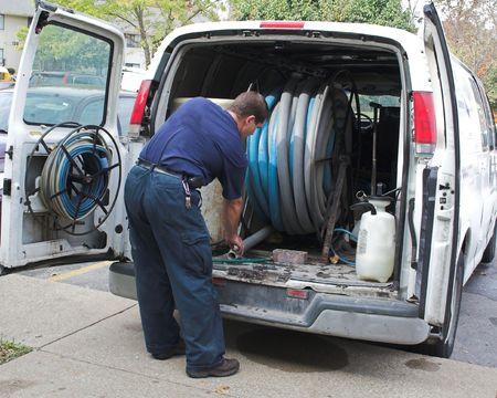 bomba de agua: Limpieza de alfombras tecnolog�a obteniendo el equipo listo