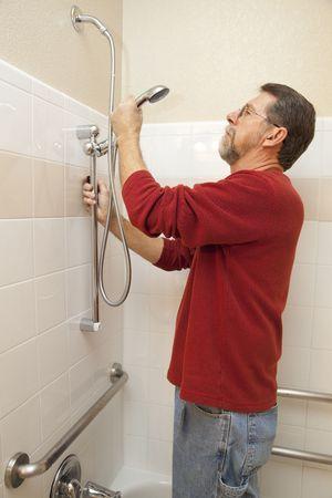 ahorrar agua: Plomero la instalaci�n de nuevas ducha desventajas capitalizaci�n sistema para ahorrar agua y reducir la factura del agua as� que easyer para las personas con discapacidad