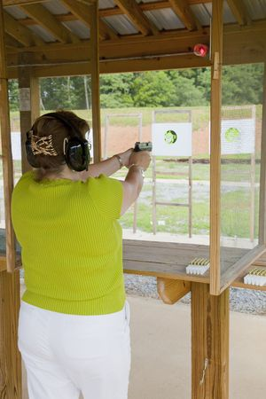 deadly: Off Duty Police Officer Practicing at the Pistol Range