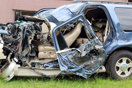 safe driving: Driver lost control of vehicle well texting on cell phone, Occupants in critical condition