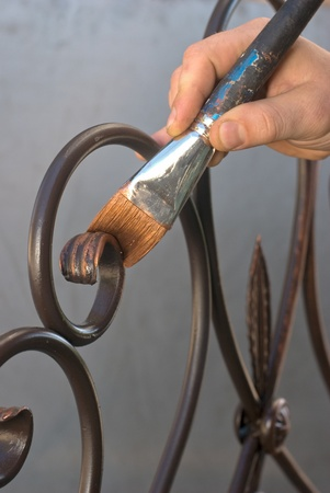greening: greening with hand and brush forging grid