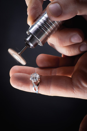 jewelery: Goldsmith at work