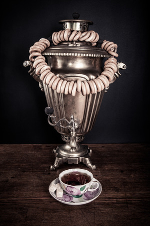 dangling: traditional Russian tea. Samovar and dangling it on ligament bagels Stock Photo