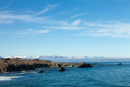 Beau paysage de mer de printemps d'Islande. Banque d'images