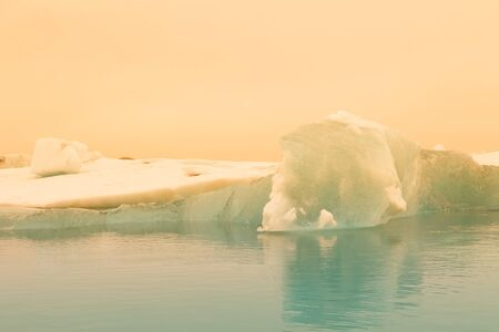 Iceberg lagoon jokulsarlon on the south of Iceland. Toned. Foto de archivo - 129851490