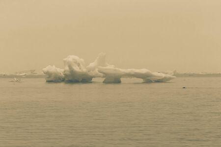 Bizarre ice floes of Iceberg lagoon jokulsarlon on the south of Iceland. Toned. Standard-Bild